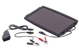 AA, Car Essentials Chargeur de voiture solaire
